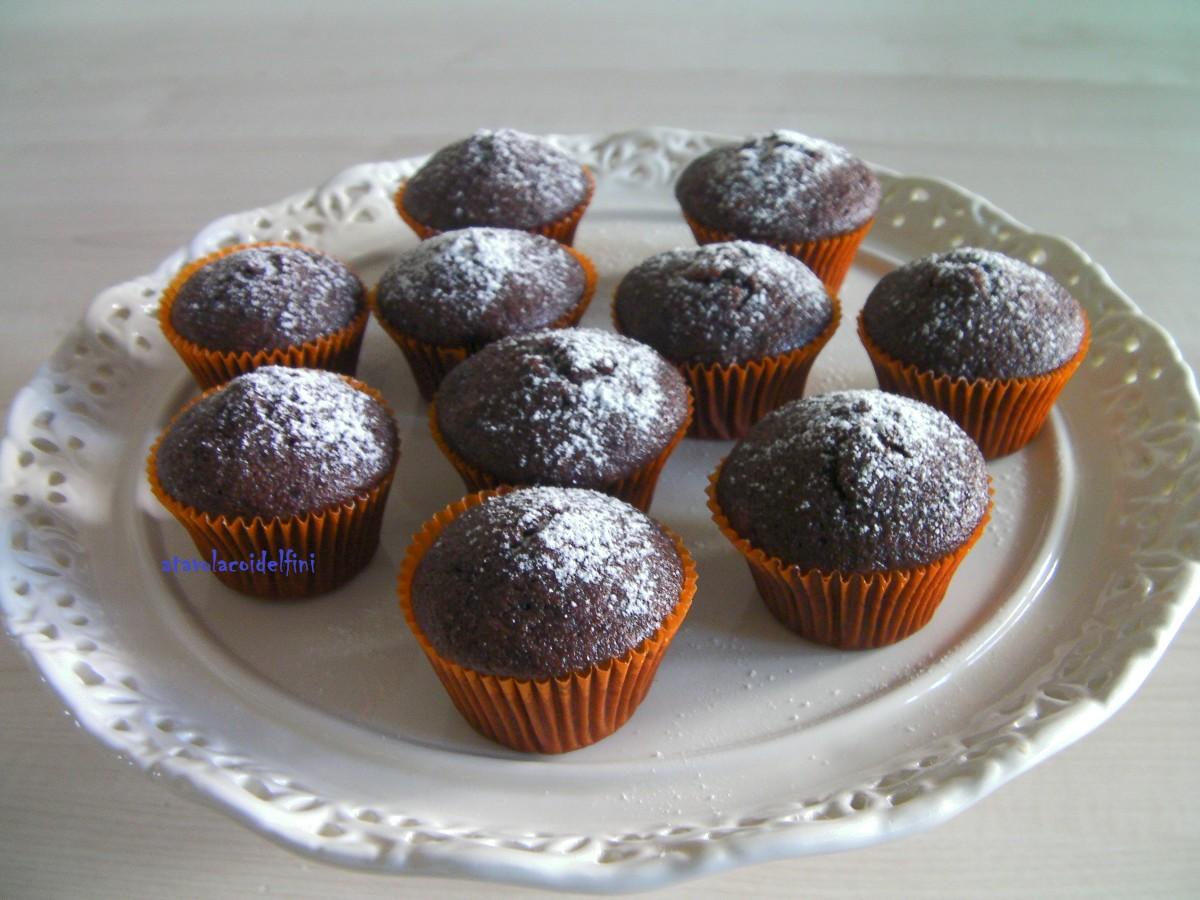 Tortine soffici al cioccolato e nocciole al profumo d'arancia