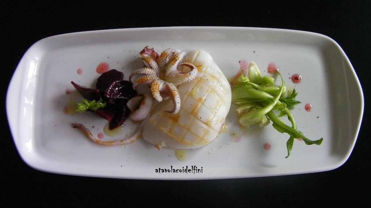 Seppia arrosto con catalogna e barbabietola marinate