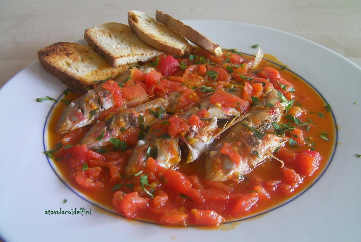 Zuppa di triglie rosse dello Ionio con crostini di pane casereccio