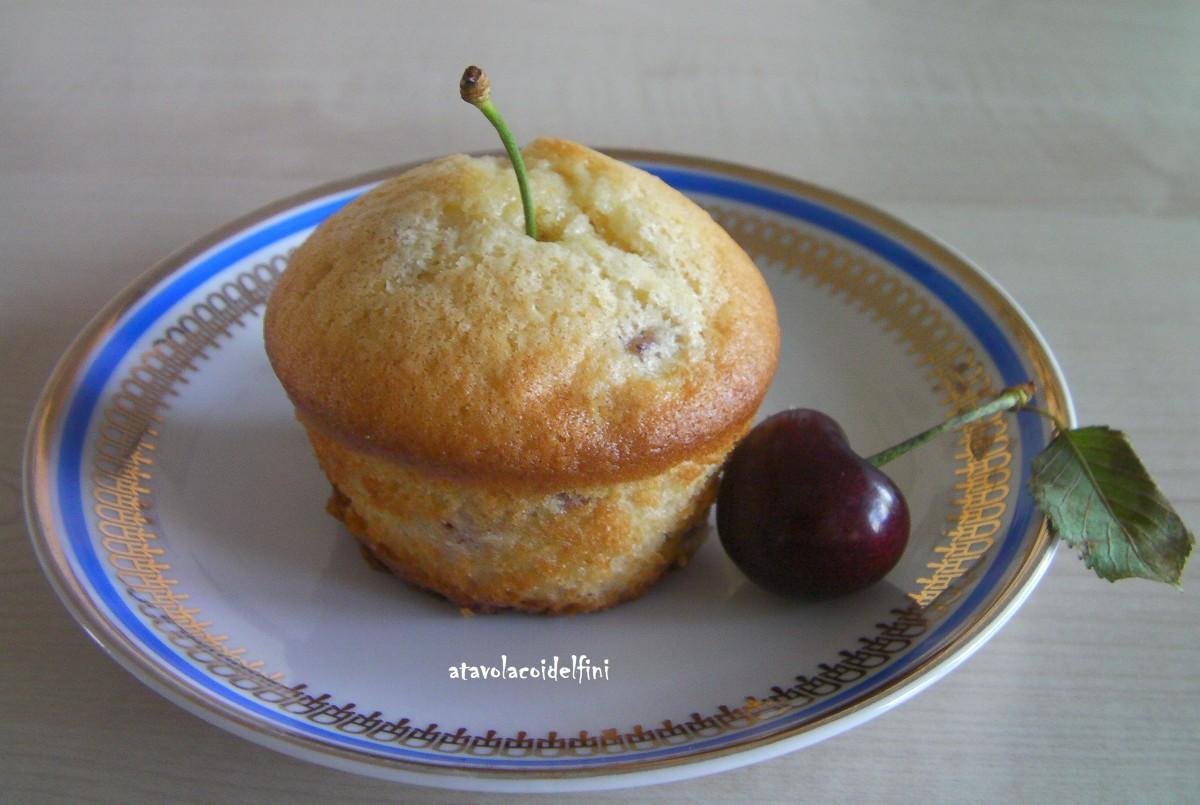 Tortine morbide allo yogurt con ciliegie Ferrovia di Conversano (Ba)