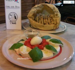 Caprese - Mozzarella di Bufala Campana,  pomodori datterino, basilico e origano