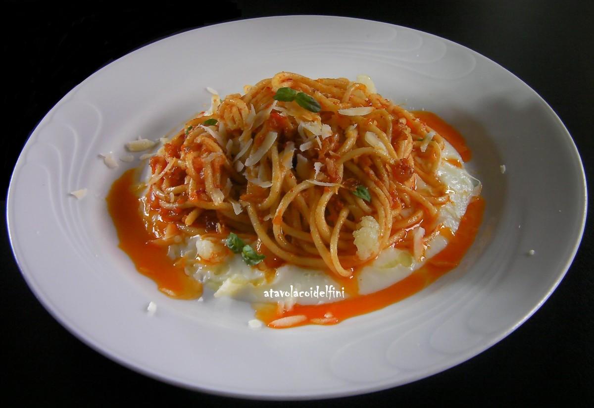 Spaghetti alla 'nduja su crema di cavolfiore e caciocavallo