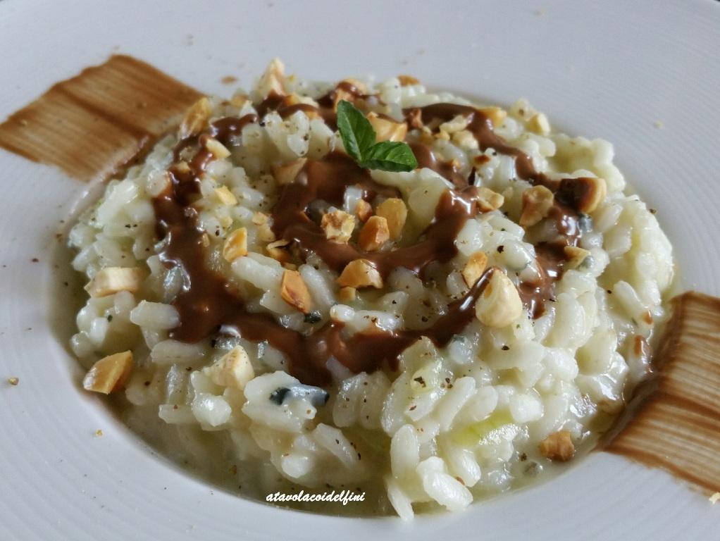 Risotto al gorgonzola blue, pere coscia, crema di gianduia e nocciole del Piemonte