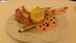 Ostrica, gambero e scampo gratin, salmome marinato