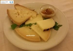 Selezione di formaggi locali