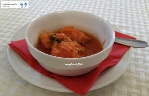 Baccalà con porri, pomodori e olive