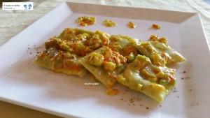 Ravioli ripieni di ricotta e spinaci ai fiori di zucca