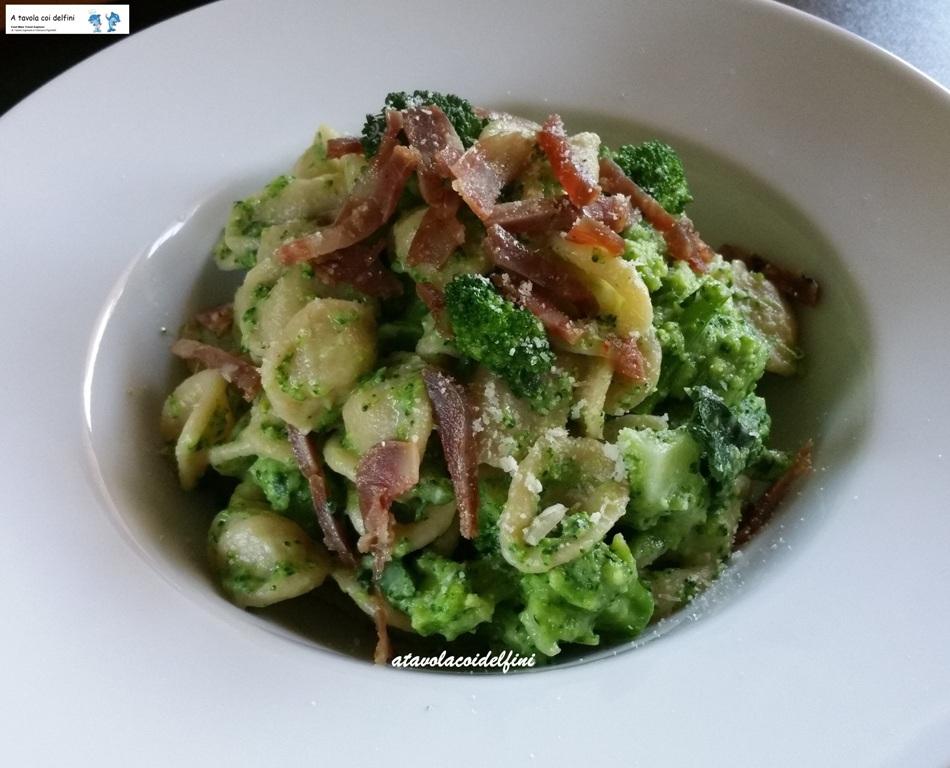 Orecchiette ai broccoli e soppressata croccante