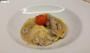 Ravioli con scampi con salsa ai sardoncini e canocchie