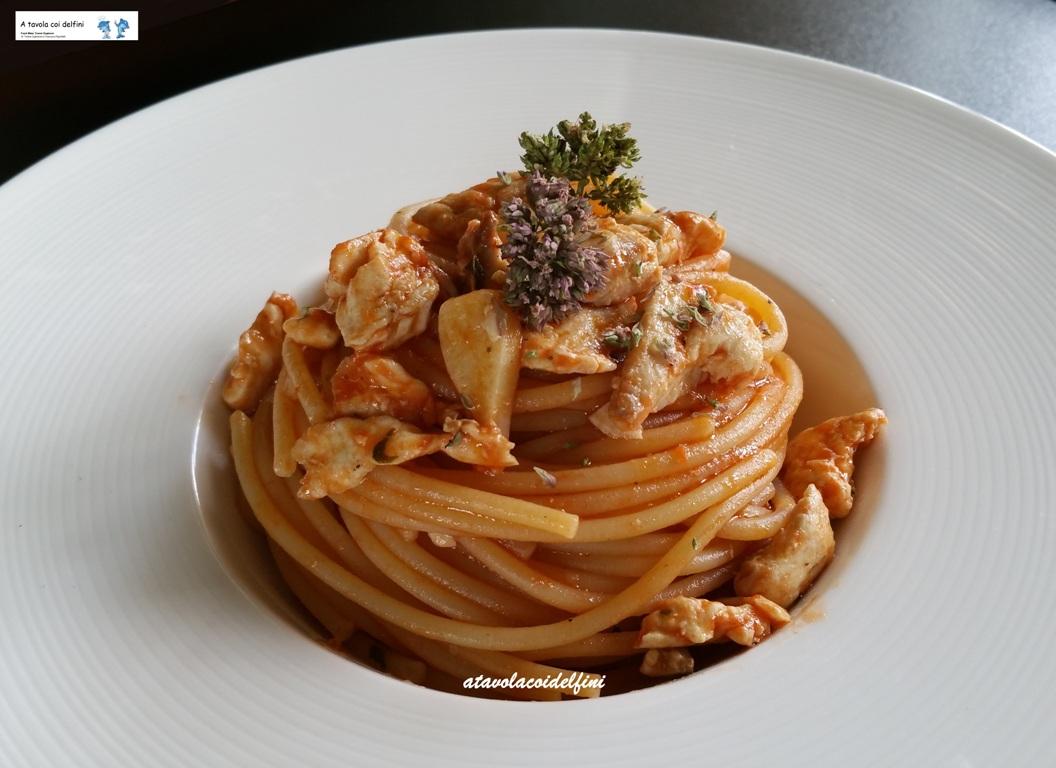 Spaghetti al sugo di pomodori datterino e lampuga