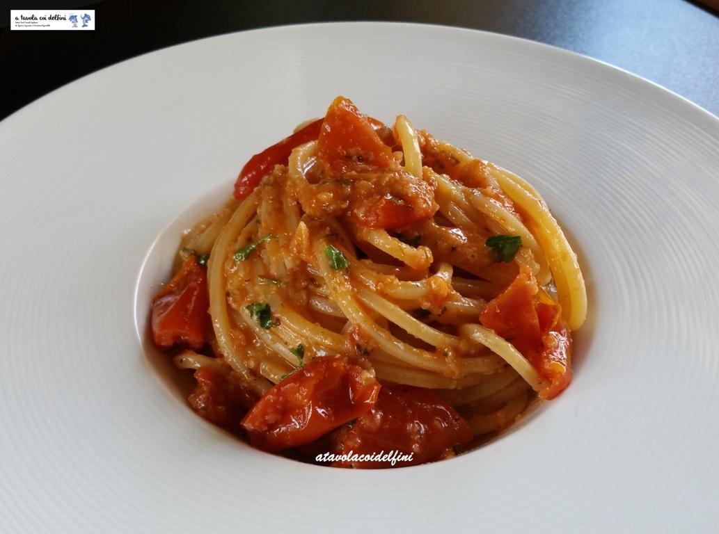 Spaghetti ai pomodori d'inverno gratinati