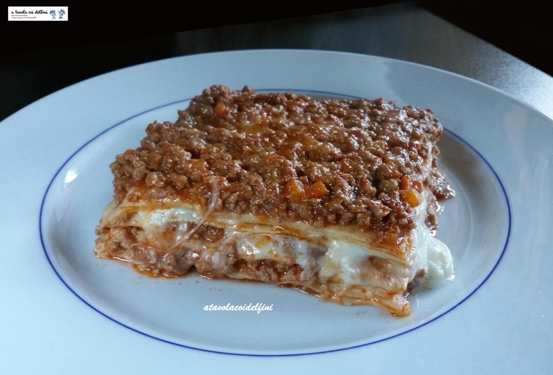 Lasagne al ragù di carne con besciamella e provola affumicata