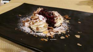 Crema Chantilly, sfoglia croccante e frutti di bosco