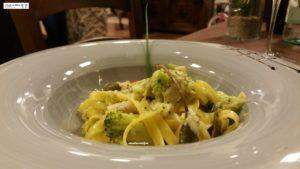 Tagliatelle con ombrina, broccoletti e capperi