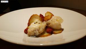 Coda di rospo con patate e pomodori confit