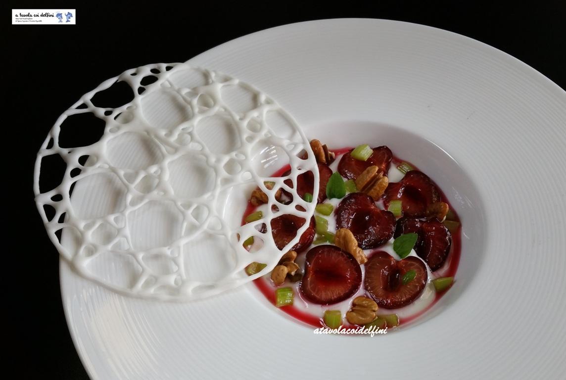 Mvsevm – Mousse di yogurt al miele d'arancio, ciliegie Ferrovia al Prosecco, sedano caramellato, noci pecan e basilico